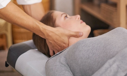 Causes, Symptoms And Treatment For Neck Pain